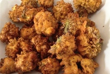 Onion Flower Fritters / The delicate purple flowers pack a powerful punch, imitating their stalk and bulb in flavor and taste - Now served in a most popular Indian snack - enjoY!