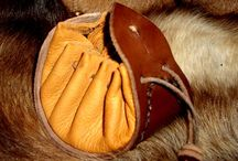 Beaver's Tinder Pouches / A collection of Beaver's products featuring Fires Steels, Tinderboxes and super soft hand made leather tinder pouches