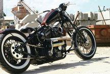 Moto Harley e Bobber
