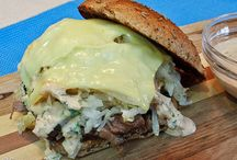 Sandwiches & Lunchtime Favorites / Sandwiches and easy lunch recipes.
