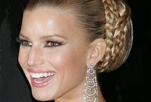 Western Low Bun Hairstyles / Low bun hairstyles of blonde haired ladies
