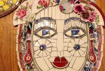 Mozaïek gezicht / Gemaakt van bloemetjes kop en schotels