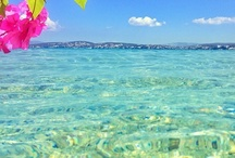 Alacati Beach Life / Alacati peninsula offers spectacular sea and softest sand accompanied with natural hot pools - a gift from nature to all.  Having a very convenient geophysical location and suitable climate, Alacati attracts all the surf lovers around the world.