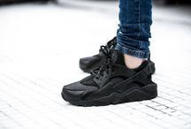 Nike Wmns Air Huarache Run (634835-012)
