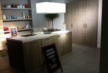 Showmodel keuken 86 / Showroomopruiming bij Grando Keukens & Bad Hoorn.   Verschillende showmodellen zoeken een nieuwe eigenaar. Wij gaan plaats maken voor de najaarscollectie van 2014 en bieden deze showkeukens aan met zeer hoge kortingen.