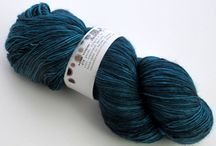 aquae fingering weight / 1-ply 100% superwash merino ~4.0 oz/115g 475 yards