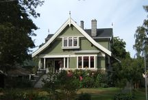 Homes in Victoria / We offer homestay accommodation with Canadian families who are carefully screened and registered in our own homestay program.  Homestay allows students to experience the Canadian way of life as well as improve their everyday English language skills.  Below are examples of houses that can be found in Victoria.