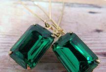 < J E W E L S  > / Getting inspired by unconventional wedding jewellery  / by Bride La Boheme