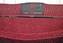 Джемпер бордово-черный двухцветный