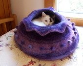felted cat caves / by Kim O'Donoghue