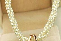 collar perlas dobles con dijes
