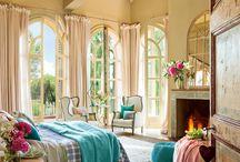 Bedroom / ベッドルーム