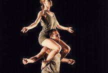 CND - Minus 16 de Ohad Naharin / Coreografía: Ohad Naharin Música: Collage (*) Figurines: Ohad Naharin Diseño de iluminación: Avi Yona Bueno (Bambi) Puesta en escena: Shani Garfinkel y Shahar Biniamini Duración: 32 minutos   Estreno mundial por la Batsheva Dance Company en el Lucent Dance Theater, La Haya (Países Bajos), en 1999. Estreno por la Compañía Nacional de Danza en el Teatro de la Zarzuela, Madrid (España), el 16 de Noviembre de 2013.