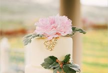 wedding cakes / by Karen Marsh