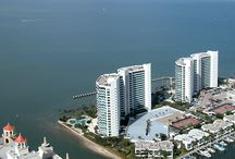988 Blvd. of the Arts - Condo on the Bay in Sarasota, Florida / Check out the water views from this downtown Sarasota, Florida condo. http://www.dwellingwell.com/condo-on-the-bay.php