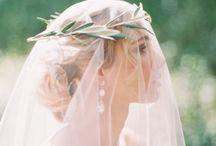 Bridal Attire: Veils, Headpieces & Hair Combs