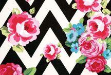 цветы на фоне геометрии