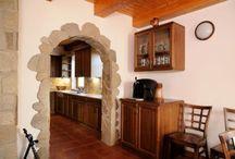 Zdi v interiéru / Interior walls / I uvnitř domu pomáhá k vytváření pohodové atmosféry / Stone helps make a comfortable atmosphere even in the interior.  #interior