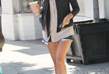 Famous coffee on the go / Celebs drinking their brew while on errands.