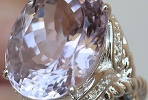 All that Glitters! / Cute jewellery and vintage gems etc, as well as those bits and bobs that turn heads