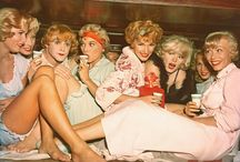 Some like it color / The film Some Like It Hot was in black and white so it's fun to see color stills