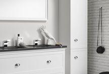 Canto badmeubelen / De meubellijn Canto verwijst naar de klassieke romantiek, maar is toch van deze tijd. De meubels passen daarom perfect in een landelijke stijl badkamer.