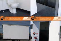 Huur een mobiel toilet / Toiletwagens huur je bij ContiRent Verhuur Nieuwleusen. Deze toiletwagen aan de binnenzijde volledig bekleed met polyester. Schoonmaken is snel en gemakkelijk te doen! Inspuiten met reinigingsmiddel en uitspuiten met de tuinslang. De toiletwagen heeft de volgende opties: 2 gescheiden ruimte's 2 Dames Toileten 2 Urinoirs 1 Heren Toilet Wasbak aan beide zijde  Je huurt de Toiletwagen Luxe al voor €100 per dag en €150,- voor een weekend van vrijdag t/m maandag.