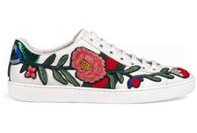 Embroidered summer shoe