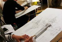 Pracownia Architektury i Rysunku Elipsa s.c. / Szkołą rysunku odręcznego działająca od 15 lat i przygotowująca z powodzeniem na studia Architektura i Urbanistyka, Architektura Krajobrazu, Wnętrza, Inżynieria Wzornictwa Przemysłowego. Zajęcia prowadzą, zawodowi Architekci z uprawnieniami z doświadczeniem naukowym, dydaktycznym i dorobkiem w zakresie projektowania architektonicznego. Ucz się tylko u zawodowców!