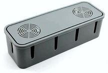 Caixa De Resfriamento E Organizador De Fios / Caixas de armazenamento, resfriamento e Organizador de fios   Material: Plástico Somente Caixa, sem acessórios. Reforçado Tamanho: 9cm de largura x 8cm de altura x 27cm de comprimento Cor Cinza