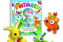 PATAREV / Το patarev είναι η πλαστελίνη που όλοι ονειρεύονται: δεν κολλάει στα δάκτυλα, δεν αφήνει χρώμα, δεν θρυμματίζεται όταν στεγνώσει. Είναι ελαστική, εάν τη βρέξουμε επανέρχεται και τα χρώματα της αναμιγνύονται για να δώσουν τρίτα χρώματα!