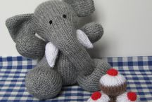 Knitting / by Cari Wallace