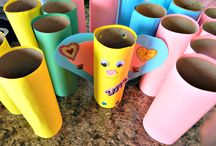 Toilet Paper Roll Crafts & Cardboard Toys / Fun craft projects for kids using toilet paper and paper towel cardboard rolls PLUS many DIY toy projects using cardboard boxes. #kidscrafts #toilepaperrolls #DIY #toys