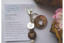 Wens Boedha / Leuke wissel hanger voor aan je sleutelbos of tas. Ook te gebruiken als ketting  Verkrijgbaar bij www.feelingsonline.nl