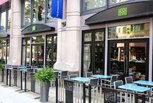 Patio Dining / Looking for an al fresco option for lunch, or post-work cocktail? The Shops at Prudential Center has a host of options for your outdoor dining experience!