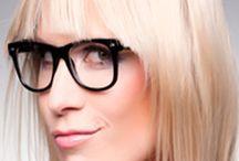 Tutorials / Wir zeigen dir in unseren Tutorials, wie du dich professionell schminken und die schönsten Frisuren selber machen kannst.