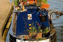Narrowboat Gardens / With a last name like 'Gardiner', it only stands to reason that our next boat has a rooftop garden. Now all we have to do is pick a design.