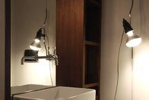 bathroom / .