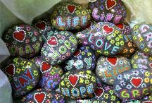 Christmas rocks & drawing ideas for the holidays