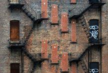 I ♥ Bricks and Industrial / Ich liebe, was für andere Alt oder Schrott ist. Das ist für mich Design und einfach nur toll. Diese Dinge haben Charakter und eine Vergangenheit ... man könnte sagen, ein Leben ... / by Melanie Kleiner