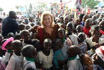 ARBRE DE NOEL 2014 / Dominique Ouattara célèbre la magie de Noël avec 3.000 enfants
