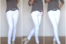 Style / Grey Shirt and white skinnyjeans with nude boots