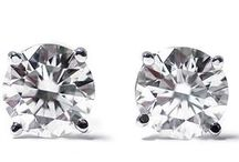 Diamantohrringe und Diamantohrstecker / In dieser Kategorie sehen Sie Diamantohrringe und Diamantohrstecker aus Weißgold, Gelbgold und BI-Color Gold. Alle diese Diamantohrringe und Diamantohrstecker können Sie auch in unserem Shop unter www.juwelierhausabt.de , www.pearlgem.de oder unter www.diamantring.be sehen und erwerben.