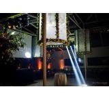 Pista de Dança para Casamento / Pista de dança para casamento é disponibilizado pela Iris Cobertura, contando com variados tipos de serviços, como por exemplo, fechamento lateral e locação de coberturas.