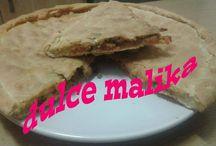 panes marroquíes / elaboración de los típicos panes para desayunar tal como los crepes ( msemen, baghrir, mlaoui) acompañados con miel, mantequilla, mermelada y queso. o rellenos hechos a la plancha o en el horno.