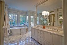 Trouville bathrom / Love the dark!