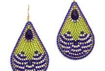 Earrings beaded in frame