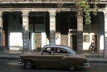 Calle Belascoaín / Belascoaín es una de las calles mas céntricas y concurridas de La Habana, y se extiende desde el Malecón hasta el Mercado Único, atravesando San Lázaro, Zanja, Reina, Carlos III (Salvador Allende) y la Calzada del Monte (Máximo Gómez).  Oficialmente, el nombre de las Calle Belascoaín es Avenida Félix Varela o Padre Varela, aunque los habaneros la han seguido llamando, por costumbre, por su denominación antigua. / by Paseos por La Habana