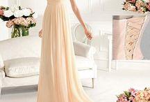 Fancy Dresses I Can't Afford / by Ella Pitman