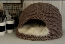 Cat crochet toys and baskets